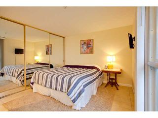 Photo 9: PACIFIC BEACH Condo for sale : 2 bedrooms : 4667 Ocean #408