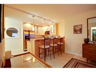Photo 5: PACIFIC BEACH Condo for sale : 2 bedrooms : 4667 Ocean #408