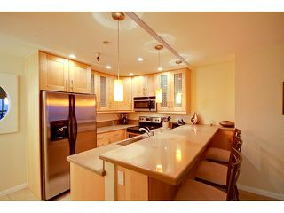Photo 2: PACIFIC BEACH Condo for sale : 2 bedrooms : 4667 Ocean #408