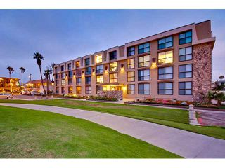 Photo 1: PACIFIC BEACH Condo for sale : 2 bedrooms : 4667 Ocean #408