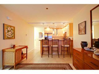 Photo 4: PACIFIC BEACH Condo for sale : 2 bedrooms : 4667 Ocean #408