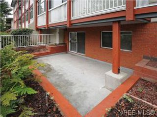 Photo 3: 104 1234 Fort Street in VICTORIA: Vi Downtown Condo Apartment for sale (Victoria)  : MLS®# 283897