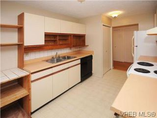 Photo 7: 104 1234 Fort Street in VICTORIA: Vi Downtown Condo Apartment for sale (Victoria)  : MLS®# 283897