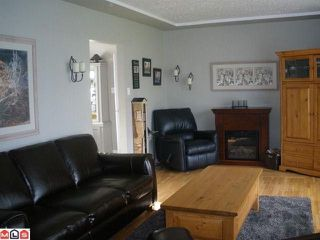 Photo 3: 15410 17A Avenue in Surrey: King George Corridor House for sale (South Surrey White Rock)  : MLS®# F1026772