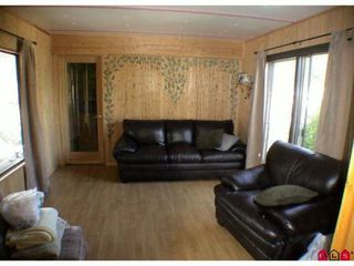 """Photo 4: 89 24330 FRASER Highway in Langley: Otter District Manufactured Home for sale in """"LANGLEY GROVE ESTATES"""" : MLS®# F1028165"""