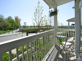 "Photo 2: 5 4311 BAYVIEW ST in Richmond: Steveston South Townhouse for sale in ""IMPERIAL LANDING"" : MLS®# V586813"