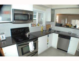 Photo 6: 2742 E 8TH Avenue in Vancouver: Renfrew VE House for sale (Vancouver East)  : MLS®# V751861
