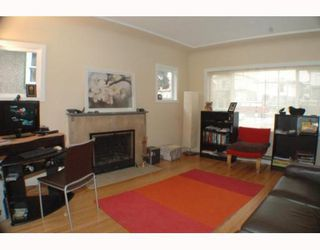 Photo 2: 2742 E 8TH Avenue in Vancouver: Renfrew VE House for sale (Vancouver East)  : MLS®# V751861