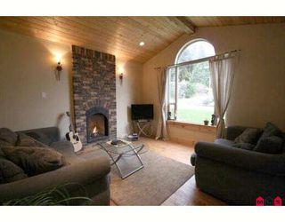 Photo 2: 45713 ELIZABETH Drive in Cultus_Lake: Cultus Lake House for sale : MLS®# H2901060