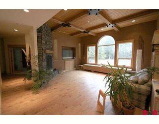 Photo 3: 45713 ELIZABETH Drive in Cultus_Lake: Cultus Lake House for sale : MLS®# H2901060