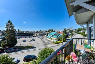 """Photo 14: 403 33255 OLD YALE Road in Abbotsford: Central Abbotsford Condo for sale in """"BRIXTON"""" : MLS®# R2393332"""