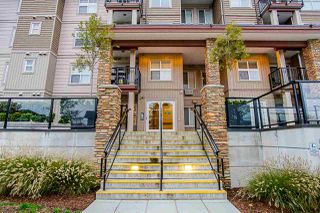 "Photo 19: 304 20175 53 Avenue in Langley: Langley City Condo for sale in ""The Benjamin"" : MLS®# R2415207"