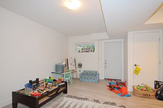 "Photo 11: 65 8570 204 Street in Langley: Willoughby Heights Townhouse for sale in ""WOODLAND PARK"" : MLS®# R2430294"
