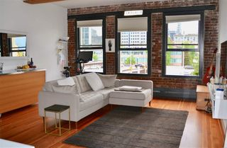 """Photo 2: 702 528 BEATTY Street in Vancouver: Downtown VW Condo for sale in """"BOWMAN LOFTS"""" (Vancouver West)  : MLS®# R2455074"""