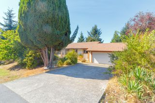 Photo 1: 892 Cecil Blogg Dr in : Co Triangle Single Family Detached for sale (Colwood)  : MLS®# 854643