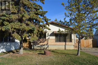 Photo 2: 866 16th ST W in Prince Albert: House for sale : MLS®# SK830689