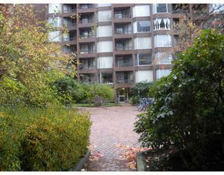 "Photo 8: 222 1330 BURRARD Street in Vancouver: Downtown VW Condo for sale in ""ANCHOR POINT"" (Vancouver West)  : MLS®# V797413"