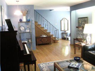 Photo 2: 776 Queenston Street in WINNIPEG: River Heights / Tuxedo / Linden Woods Residential for sale (South Winnipeg)  : MLS®# 1010026