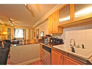 "Photo 13: 103 2036 YORK Avenue in Vancouver: Kitsilano Condo for sale in ""THE CHARLESTON"" (Vancouver West)  : MLS®# V841343"