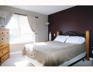 """Photo 6: 610 22230 NORTH Avenue in Maple_Ridge: West Central Condo for sale in """"SOUTHRIDGE TERRACE"""" (Maple Ridge)  : MLS®# V771525"""