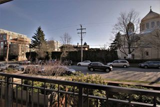 Main Photo: 209 555 W 14TH Avenue in Vancouver: Fairview VW Condo for sale (Vancouver West)  : MLS®# R2446352