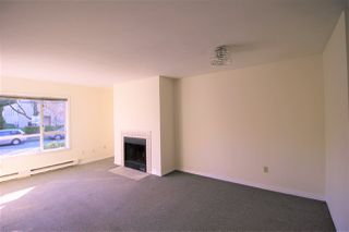 Photo 5: 209 555 W 14TH Avenue in Vancouver: Fairview VW Condo for sale (Vancouver West)  : MLS®# R2446352