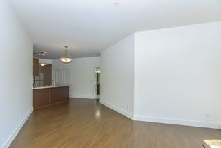 "Photo 19: 309 19830 56 Avenue in Langley: Langley City Condo for sale in ""ZORA"" : MLS®# R2493036"