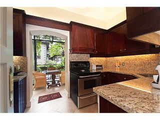 """Photo 7: 124 W 10TH Avenue in Vancouver: Mount Pleasant VW Townhouse for sale in """"ISIS PLACE"""" (Vancouver West)  : MLS®# V833030"""