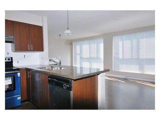 "Photo 5: 303 12075 228TH Street in Maple Ridge: East Central Condo for sale in ""RIO"" : MLS®# V844589"