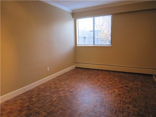 "Photo 5: 107 211 W 3RD Street in North Vancouver: Lower Lonsdale Condo for sale in ""Villa Aurora"" : MLS®# V866514"