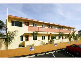 Photo 2: PACIFIC BEACH Condo for sale : 1 bedrooms : 827 MISSOURI