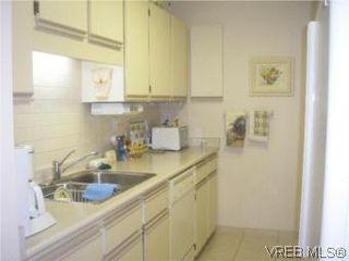 Photo 8: 307 2920 Cook St in VICTORIA: Vi Mayfair Condo for sale (Victoria)  : MLS®# 490244