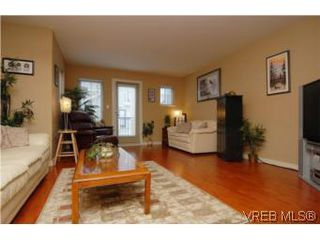 Photo 3: 104 842 Brock Avenue in VICTORIA: La Langford Proper Townhouse for sale (Langford)  : MLS®# 264507