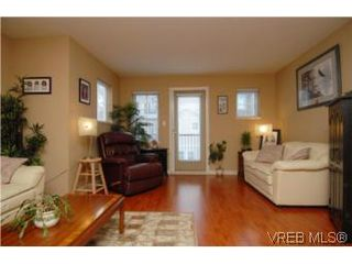 Photo 17: 104 842 Brock Avenue in VICTORIA: La Langford Proper Townhouse for sale (Langford)  : MLS®# 264507