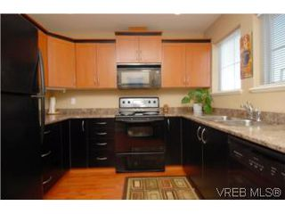 Photo 2: 104 842 Brock Avenue in VICTORIA: La Langford Proper Townhouse for sale (Langford)  : MLS®# 264507