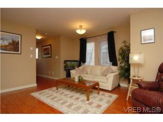 Photo 12: 104 842 Brock Avenue in VICTORIA: La Langford Proper Townhouse for sale (Langford)  : MLS®# 264507