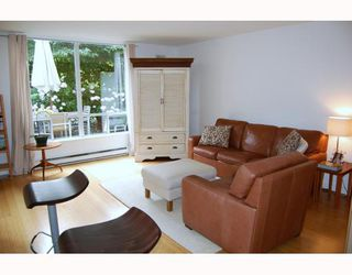 "Photo 2: 104 2638 ASH Street in Vancouver: Fairview VW Condo for sale in ""CAMBRIDGE GARDENS"" (Vancouver West)  : MLS®# V777548"