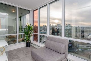 "Photo 11: 1409 1788 COLUMBIA Street in Vancouver: False Creek Condo for sale in ""Epic at West"" (Vancouver West)  : MLS®# R2392931"