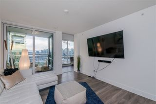 "Photo 3: 1409 1788 COLUMBIA Street in Vancouver: False Creek Condo for sale in ""Epic at West"" (Vancouver West)  : MLS®# R2392931"