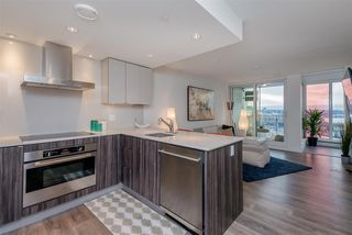 "Photo 8: 1409 1788 COLUMBIA Street in Vancouver: False Creek Condo for sale in ""Epic at West"" (Vancouver West)  : MLS®# R2392931"