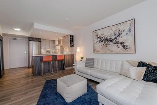 """Photo 4: 1409 1788 COLUMBIA Street in Vancouver: False Creek Condo for sale in """"Epic at West"""" (Vancouver West)  : MLS®# R2392931"""