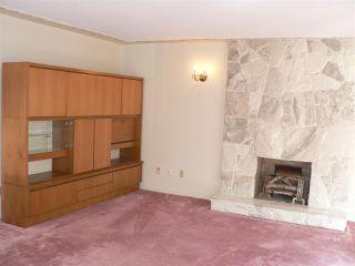 """Photo 3: 1727 E 29TH Avenue in Vancouver: Victoria VE House for sale in """"Victoria"""" (Vancouver East)  : MLS®# R2400685"""
