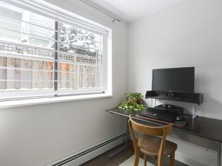 "Photo 10: 114 1844 W 7TH Avenue in Vancouver: Kitsilano Condo for sale in ""CRESTVIEW MANOR"" (Vancouver West)  : MLS®# R2427922"