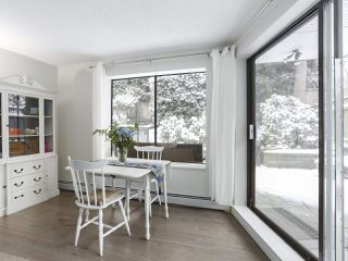 "Photo 4: 114 1844 W 7TH Avenue in Vancouver: Kitsilano Condo for sale in ""CRESTVIEW MANOR"" (Vancouver West)  : MLS®# R2427922"