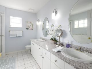 """Photo 12: 17 1765 PADDOCK Drive in Coquitlam: Westwood Plateau Townhouse for sale in """"Worthing Green"""" : MLS®# R2470789"""