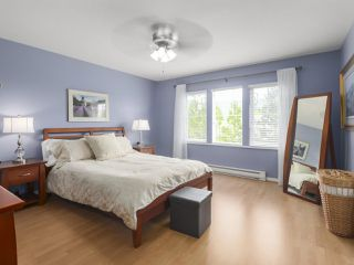 """Photo 11: 17 1765 PADDOCK Drive in Coquitlam: Westwood Plateau Townhouse for sale in """"Worthing Green"""" : MLS®# R2470789"""
