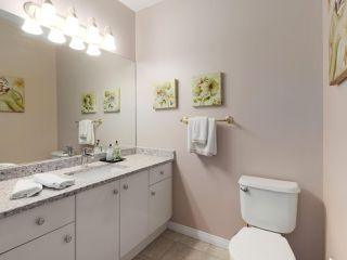 """Photo 10: 17 1765 PADDOCK Drive in Coquitlam: Westwood Plateau Townhouse for sale in """"Worthing Green"""" : MLS®# R2470789"""