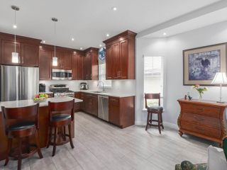 """Photo 3: 17 1765 PADDOCK Drive in Coquitlam: Westwood Plateau Townhouse for sale in """"Worthing Green"""" : MLS®# R2470789"""