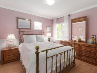 """Photo 14: 17 1765 PADDOCK Drive in Coquitlam: Westwood Plateau Townhouse for sale in """"Worthing Green"""" : MLS®# R2470789"""