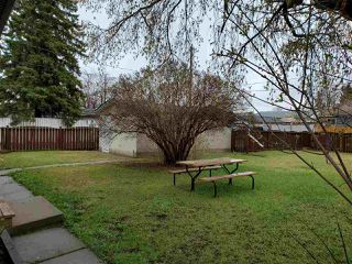Photo 3: 12519 137 Avenue in Edmonton: Zone 01 House for sale : MLS®# E4206686